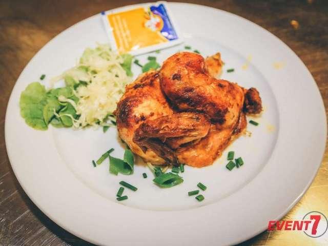 Halbes Hähnchen frisch vom Grill